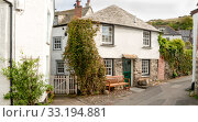 Street view in Port Isaac in north Cornwall. Стоковое фото, фотограф Thomas Marchhart / PantherMedia / Фотобанк Лори
