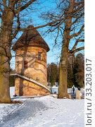 Купить «Пиль-башня. Павловск», эксклюзивное фото № 33203017, снято 8 марта 2019 г. (c) Александр Щепин / Фотобанк Лори