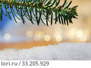Купить «branch and artificial snow with bokeh lights», фото № 33205929, снято 29 февраля 2020 г. (c) PantherMedia / Фотобанк Лори