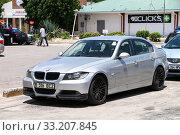 Купить «BMW 3-series», фото № 33207845, снято 9 февраля 2020 г. (c) Art Konovalov / Фотобанк Лори