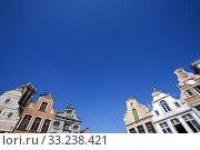 Facade of 18th century buildings in Mechelen, Belgium. Стоковое фото, фотограф Peter de Kievith / PantherMedia / Фотобанк Лори