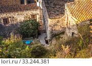 Купить «über die Dächer von Viviers ardeche Frankreich», фото № 33244381, снято 1 июня 2020 г. (c) PantherMedia / Фотобанк Лори