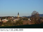 Купить «Aschach an der Steyr,Steyrtal,church tower,village,settlement,meadow,field,houses», фото № 33246089, снято 26 мая 2020 г. (c) PantherMedia / Фотобанк Лори