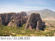 Купить «Meteora rocks and view of Thessaly plain, mountain landscape, Greece», фото № 33248033, снято 12 июня 2009 г. (c) Юлия Бабкина / Фотобанк Лори