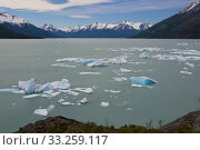 Iceberg floating on the Lake Argentino. Стоковое фото, фотограф Fabio Lotti / PantherMedia / Фотобанк Лори