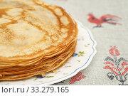 Купить «Стопка блинов на тарелке», эксклюзивное фото № 33279165, снято 27 февраля 2020 г. (c) Dmitry29 / Фотобанк Лори