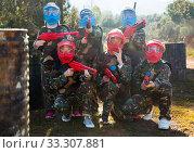 Купить «Kids ready for paintball game», фото № 33307881, снято 24 ноября 2018 г. (c) Яков Филимонов / Фотобанк Лори