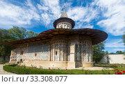 Купить «Church of Voronet Monastery, Bucovina», фото № 33308077, снято 15 сентября 2017 г. (c) Яков Филимонов / Фотобанк Лори