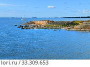 Rocky island of Helsinki archipelago in summer. Finland (2019 год). Стоковое фото, фотограф Валерия Попова / Фотобанк Лори