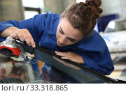 Купить «Young student in bodywork changing car windshield», фото № 33318865, снято 5 июля 2020 г. (c) PantherMedia / Фотобанк Лори