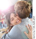 Купить «Brunette girl happy to see her boyfriend again», фото № 33320297, снято 9 апреля 2020 г. (c) PantherMedia / Фотобанк Лори