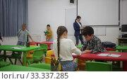 Купить «Portrait of happy kids during break in classroom at elementary school», видеоролик № 33337285, снято 29 января 2020 г. (c) Яков Филимонов / Фотобанк Лори