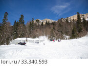 Купить «Beautiful mountains covered with snow. Sunny day and blue sky on a frosty day», фото № 33340593, снято 5 марта 2019 г. (c) Олег Хархан / Фотобанк Лори
