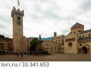 Piazza Duomo, Trento, Italy (2019 год). Редакционное фото, фотограф Яков Филимонов / Фотобанк Лори