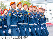 Russia, Samara, May 2019: armed formation of soldiers of the Ministry of Emergencies at the Victory Parade. (2017 год). Редакционное фото, фотограф Акиньшин Владимир / Фотобанк Лори