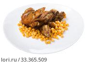Spanish dish Pies de cerdo con garbanzos. Стоковое фото, фотограф Яков Филимонов / Фотобанк Лори