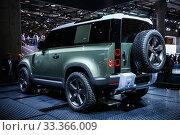 Купить «Land Rover Defender», фото № 33366009, снято 17 сентября 2019 г. (c) Art Konovalov / Фотобанк Лори