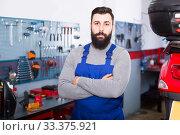 Person is showing his workplace. Стоковое фото, фотограф Яков Филимонов / Фотобанк Лори