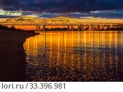 The bridge over the Volga River in Nizhny Novgorod in the illumination. Стоковое фото, фотограф Дмитрий Тищенко / Фотобанк Лори