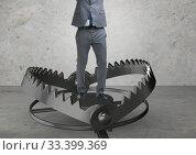Купить «Man caught in mouse trap in risk business concept», фото № 33399369, снято 28 мая 2020 г. (c) Elnur / Фотобанк Лори