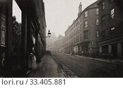 Head of High Street, Glasgow, Scotland in the 1870's. Photograph from The Old Closes and Streets of Glasgow, by Scottish photographer Thomas Annan 1829-1887. Редакционное фото, фотограф Classic Vision / age Fotostock / Фотобанк Лори