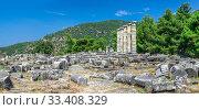 Купить «The Temple of Athena Polias in the Ancient Priene, Turkey», фото № 33408329, снято 20 июля 2019 г. (c) Sergii Zarev / Фотобанк Лори