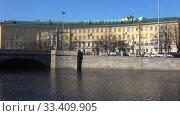 Купить «Фасад старинного здания Университета путей сообщения крупным планом. Вид со стороны Фонтанки. Санкт-Петербург», видеоролик № 33409905, снято 22 марта 2020 г. (c) Виктор Карасев / Фотобанк Лори