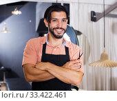 professional man hairdresser in salon. Стоковое фото, фотограф Яков Филимонов / Фотобанк Лори