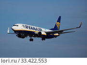 Купить «Passenger Airplane of company Ryanair during landing», фото № 33422553, снято 26 января 2020 г. (c) Яков Филимонов / Фотобанк Лори