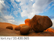 Granite boulders in Spitzkoppe mountains, Namib Desert, Namibia, October... Стоковое фото, фотограф Oriol  Alamany / Nature Picture Library / Фотобанк Лори