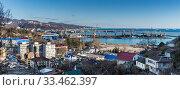 Купить «Краснодарский край, Туапсе, панорамный вид на город и порт», фото № 33462397, снято 2 марта 2020 г. (c) glokaya_kuzdra / Фотобанк Лори