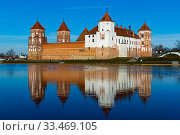 Mir Castle on Miranka river, Belarus. Стоковое фото, фотограф Яков Филимонов / Фотобанк Лори