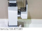 Купить «Closeup o, modern stainless steel faucet knob», фото № 33477681, снято 27 мая 2020 г. (c) easy Fotostock / Фотобанк Лори