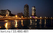 Купить «Center of nightlife of Barcelona», видеоролик № 33480481, снято 26 апреля 2019 г. (c) Яков Филимонов / Фотобанк Лори