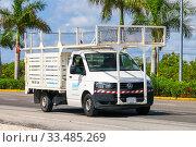 Купить «Volkswagen Transporter», фото № 33485269, снято 16 мая 2017 г. (c) Art Konovalov / Фотобанк Лори