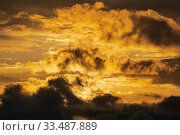 Купить «Dramatic clouds illuminated rising of sun in sky to change weather. Natural meteorology background. Heavenly landscape», фото № 33487889, снято 27 марта 2020 г. (c) А. А. Пирагис / Фотобанк Лори