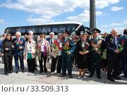 Купить «Ветераны Великой Отечественной войны во время праздника Победы 9 мая на Поклонной горе в Москве», эксклюзивное фото № 33509313, снято 9 мая 2010 г. (c) lana1501 / Фотобанк Лори