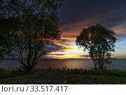Купить «Pantai Puteri Beach at dusk, Santubong, Sarawak, Malaysia», фото № 33517417, снято 14 марта 2020 г. (c) age Fotostock / Фотобанк Лори