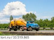 Купить «ZiL 130V», фото № 33519865, снято 4 июня 2008 г. (c) Art Konovalov / Фотобанк Лори
