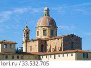 Купол церкви Сан Фердиано аль Честелло на фоне голубого неба солнечным днем. Флоренция, Италия (2017 год). Стоковое фото, фотограф Виктор Карасев / Фотобанк Лори