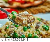 Купить «Creamy Stovetop Mushroom Orzo, made with peas», фото № 33568941, снято 13 июля 2020 г. (c) easy Fotostock / Фотобанк Лори