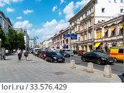 Купить «Улица Петровка. Москва», эксклюзивное фото № 33576429, снято 28 мая 2019 г. (c) Александр Щепин / Фотобанк Лори