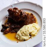 Купить «Stewed in oven lamb», фото № 33580893, снято 26 мая 2020 г. (c) Яков Филимонов / Фотобанк Лори