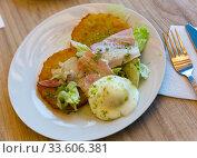 Купить «Potato pancakes with bacon and egg», фото № 33606381, снято 27 мая 2020 г. (c) Яков Филимонов / Фотобанк Лори