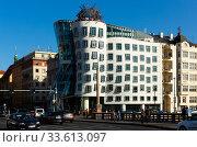 Dancing House building in Prague (2019 год). Редакционное фото, фотограф Яков Филимонов / Фотобанк Лори