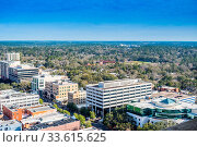 Tallahassee, FL, USA - Feb 15, 2019: An overlooking view of the prosperous city of Florida from atop. Стоковое фото, фотограф Zoonar.com/Cheri Alguire ImagesByCheri.com / age Fotostock / Фотобанк Лори