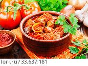 Купить «Meat stew with vegetables», фото № 33637181, снято 3 декабря 2019 г. (c) Надежда Мишкова / Фотобанк Лори