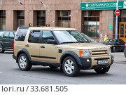 Купить «Land Rover Discovery», фото № 33681505, снято 2 июня 2013 г. (c) Art Konovalov / Фотобанк Лори