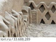 Adobe fishing net walls in temples area of Tschudi Palace, Chan Chan, near Trujillo, Peru. Стоковое фото, фотограф Sergi Reboredo / age Fotostock / Фотобанк Лори