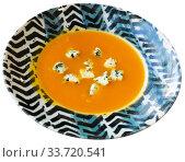 Купить «Boiled vegetarian carrot cream soup served with gorgonzola», фото № 33720541, снято 4 августа 2020 г. (c) Яков Филимонов / Фотобанк Лори